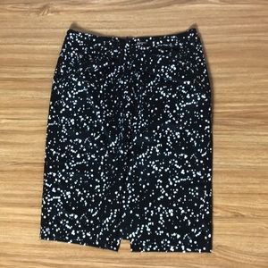 Michael Kors sz 10 pencil skirt with twist detail